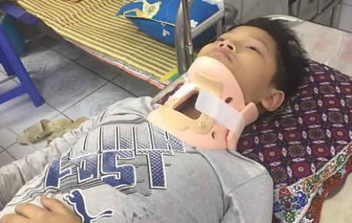 Hưng Yên: Một học sinh bị đánh chấn thương cổ nghiêm trọng