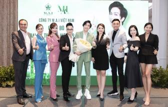 Khoe làn da cực mịn đẹp, Tăng Phúc chính thức trở thành đại sứ mỹ phẩm Dr. Mai