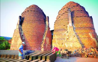 Làng gạch gốm Cổ Chiên: Giữa hai bờ buồn vui