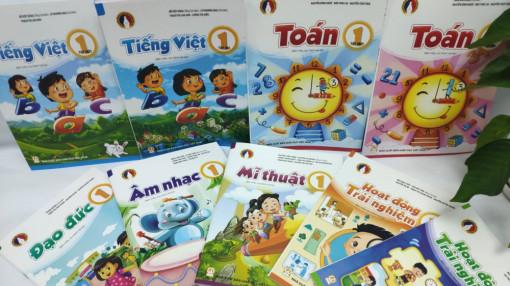 Chưa có sách tiếng Việt lớp Hai đạt, viễn cảnh nào cho năm học tới?