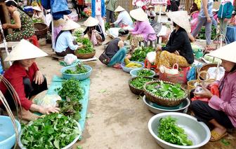 Chợ quê lam lũ