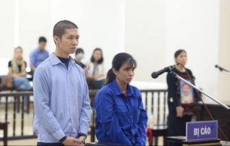 Xét xử vụ bạo hành con gái 3 tuổi đến tử vong: Hai bị cáo bất ngờ phản cung