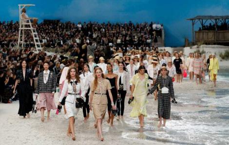Những show thời trang ghi dấu ấn trong hơn thập kỷ qua
