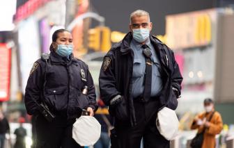 3.500 nhân viên liên bang được bồi thường vì lây nhiễm COVID-19 khi làm việc
