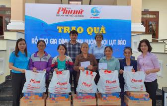 Báo Phụ Nữ TPHCM trao 300 suất quà cho người dân Đà Nẵng ảnh hưởng lụt bão