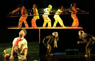 Liên hoan múa khai màn: Ẩn ức Côn Đảo, chú bé loắt choắt... lên sàn diễn