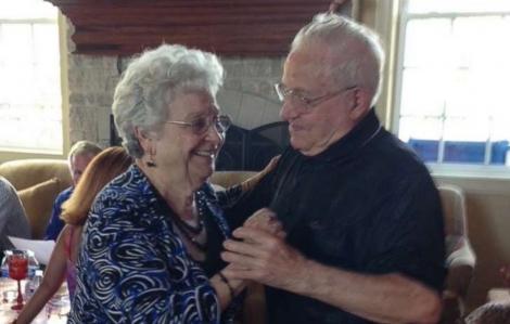Cặp vợ chồng 76 năm cùng nhau đi trọn giây phút cuối cùng