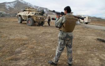 Đánh bom liều chết làm hơn 50 sĩ quan thương vong ở Afghanistan