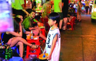 Lao động trẻ em - cái khó bó cái sai
