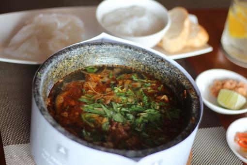 Lên tầng 20 ăn súp lươn