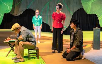 """Khi tác phẩm sân khấu tỏ ra """"nguy hiểm"""""""