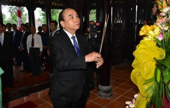 Lãnh đạo tỉnh Thừa Thiên - Huế dâng hoa, dâng hương kỷ niệm 100 năm Ngày sinh Chủ tịch nước Lê Đức Anh