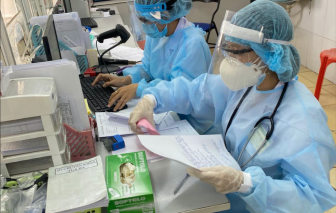 Nam tiếp viên mắc COVID-19 của Vietnam Airlines có thể bị truy tố hình sự