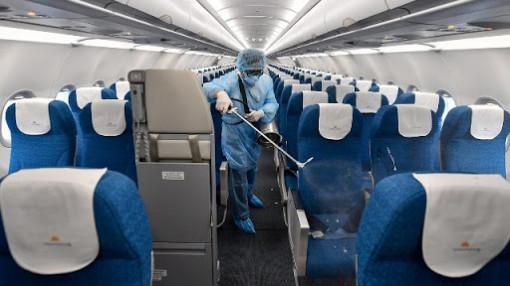 Tạm dừng các chuyến bay thương mại từ nước ngoài