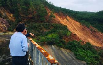 Sạt lở nghiêm trọng gần chân đập thủy điện Hương Điền