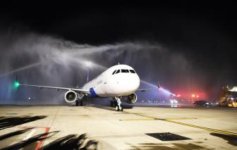 Máy bay đầu tiên của Vietravel Airlines về tới sân bay Tân Sơn Nhất