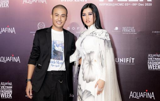 Hoa hậu Emily Hồng Nhung rạng rỡ chúc mừng show diễn NTK Bảo Bảo