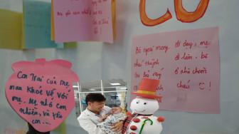 Không khí Giáng sinh đã tràn ngập bệnh viện nhi