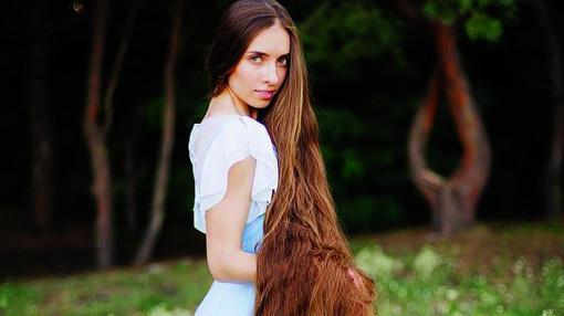 Cô gái có mái tóc tuyệt đẹp như nhân vật phim hoạt hình