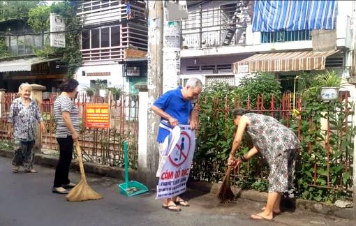 Người kiên trì nhặt rác