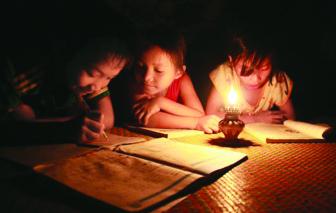 Ai còn nhớ chiếc đèn hột vịt?