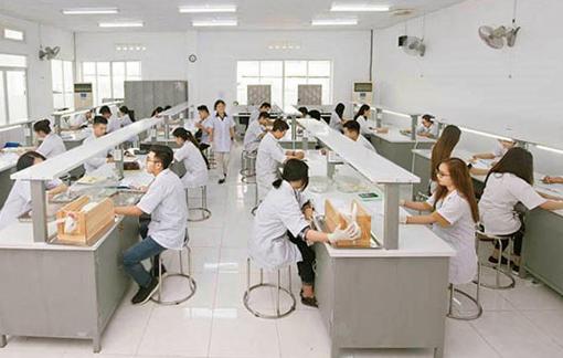 """Đào tạo bác sĩ: Trường tư sẽ dần """"áp đảo"""" trường công?"""