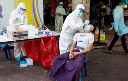 """Thái Lan """"sợ trả giá"""" cho cơn bùng phát COVID-19 mới"""