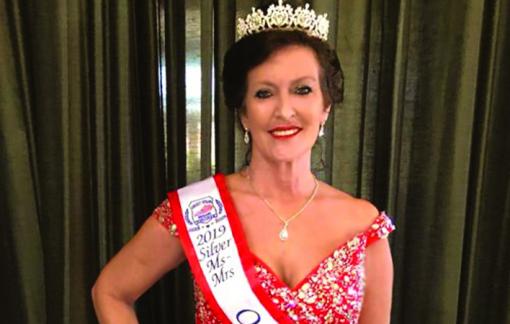 Người đẹp 61 tuổi giành chiến thắng cuộc thi hoa hậu