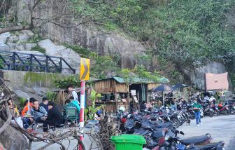 Vì sao quán cà phê không phép trên đèo Hải Vân vẫn tấp nập khách?