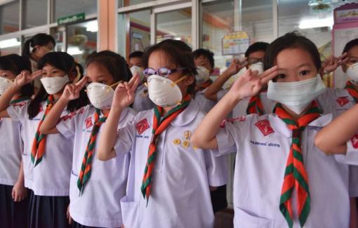 COVID-19 bùng phát, Bangkok đóng cửa trường học ngay sau tết Dương lịch