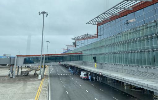 Ngừng toàn bộ các chuyến bay chở khách từ Anh, Nam Phi về Việt Nam