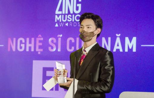 """Erik tiếp tục thắng giải """"Nghệ sĩ của năm"""" tại """"Zing Music Award 2020"""""""