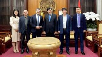 """Bộ trưởng Bộ Y tế: """"Việt Nam là một trong những nước đầu tiên ở châu Á tiếp cận vắc-xin phòng COVID-19"""""""