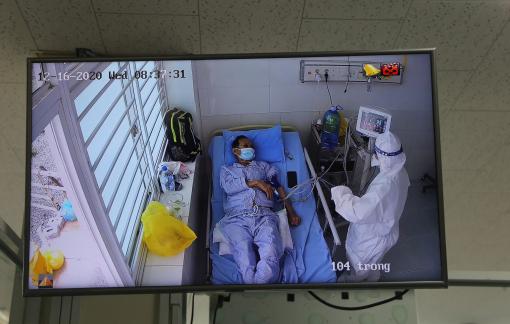 Bệnh nhân 1.405 mắc COVID-19 hết sốt, tự thở nhưng vẫn còn nặng