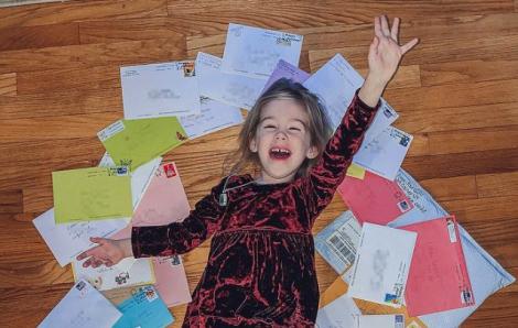 Một người mẹ lên Facebook xin cộng đồng gửi thiệp sinh nhật cho con