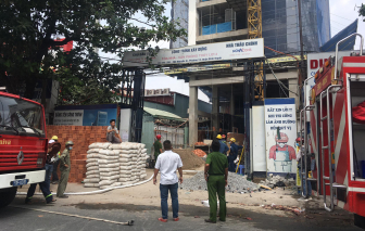 Giải cứu thành công 3 người trong vụ cháy ở công trình xây dựng Công ty Thủy Lợi 4
