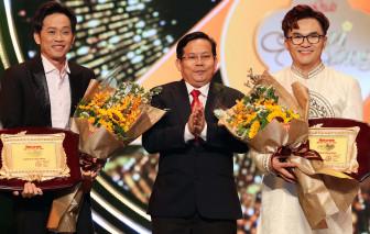 """Những màn vinh danh bất ngờ tại lễ trao giải """"Mai Vàng 2020"""""""