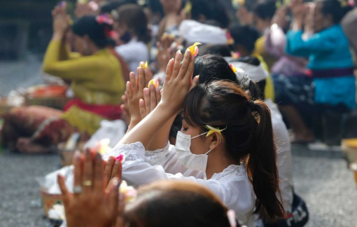 Clip: Những nghi lễ đặc biệt để cầu nguyện hết dịch COVID-19