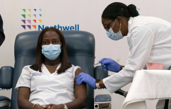 Hàng chục người tử vong sau khi tiêm vắc-xin COVID-19 ở Mỹ và châu Âu