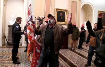 Những người bạo loạn bị bắt tại Điện Capitol: Ngoài vũ khí còn có cả huy chương Olympic