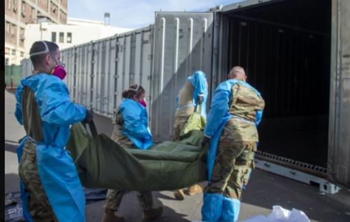 6 phút có 1 người chết vì COVID-19, California huy động gần trăm xe tải lạnh chứa thi thể