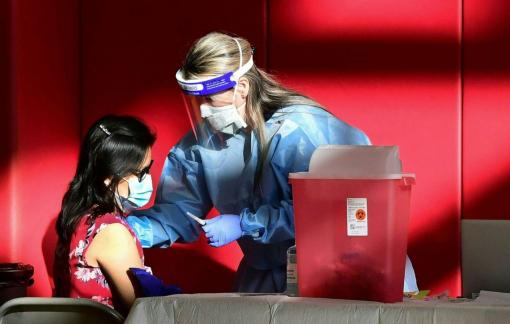 Các tiểu bang Mỹ phẫn nộ vì vắc-xin COVID-19