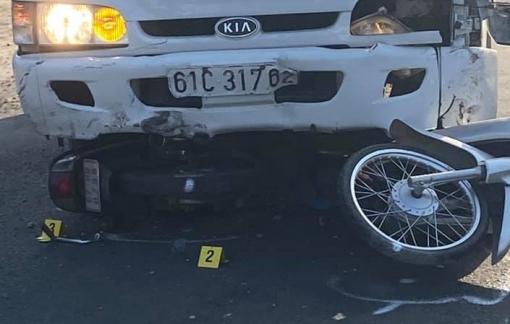 An Giang: Tài xế xe tải ngủ gục gây tai nạn, hàng loạt học sinh bị thương nặng
