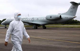 """Brazil giải cứu khẩn cấp 60 trẻ sinh non bằng cầu hàng không để """"né"""" COVID-19"""