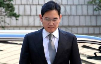 Người thừa kế tập đoàn Samsung lãnh 30 tháng tù giam
