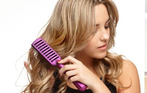7 sai lầm khi chải khiến tóc hư tổn nặng nề