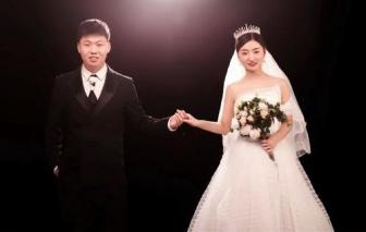 Đám cưới vỏn vẹn 1 phút, cha mẹ rơi nước mắt chứng kiến hạnh phúc của con