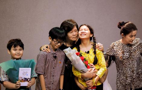 """Đạo diễn Việt Linh: Khi người lớn """"chơi"""" với trẻ con"""