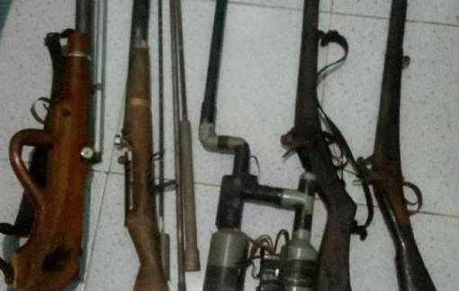 Đắk Nông bắt đối tượng mua bán trái phép chất ma túy, thu giữ 5 khẩu súng tự chế