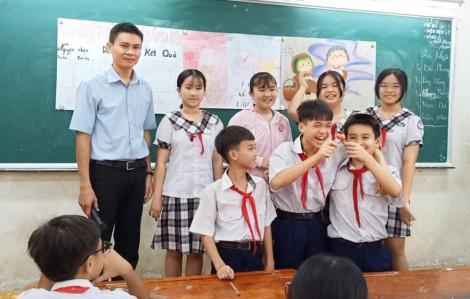 Giáo viên công lập tại TPHCM nhận quà tết 1,5 triệu đồng